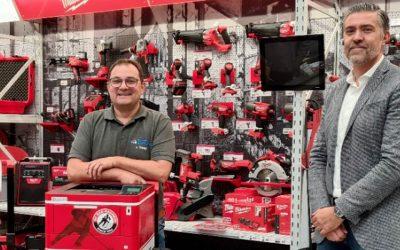 Docunova-Druckerversteigerung an das Bauzentrum Gerhardt für den guten Zweck